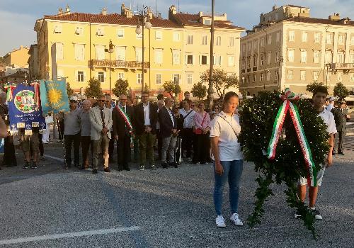Un momento della cerimonia in ricordo di Nazario Sauro tenutasi a Trieste, alla quale ha partecipato l'assessore regionale a Politiche comunitarie e corregionali all'estero, Pierpaolo Roberti.