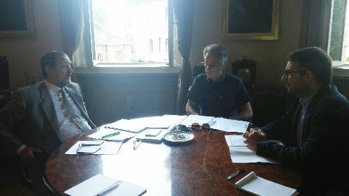 Pierpaolo Roberti, assessore regionale con delega all'immigrazione e Angelo Ciuni, nuovo prefetto di Udine