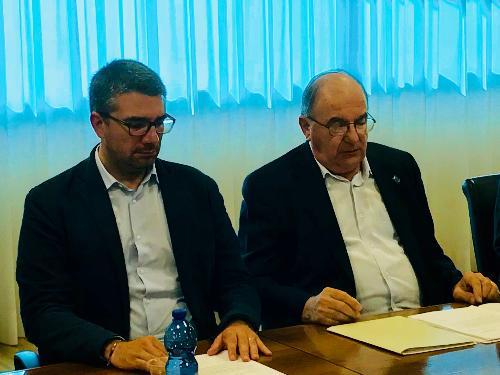 L'assessore alle Autonomie Locali del Fvg Pierpaolo Roberti con il presidente dell'Associazione sindaci emeriti del Fvg, Elio Di Giusto