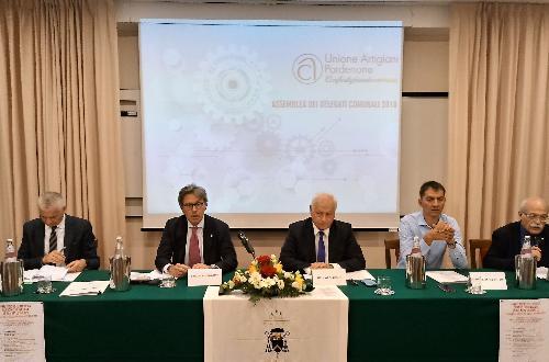 L'assessore regionale alle Attività produttive Sergio Emidio Bini interviene all'assemblea di Confartigianato a Sesto al Reghena.