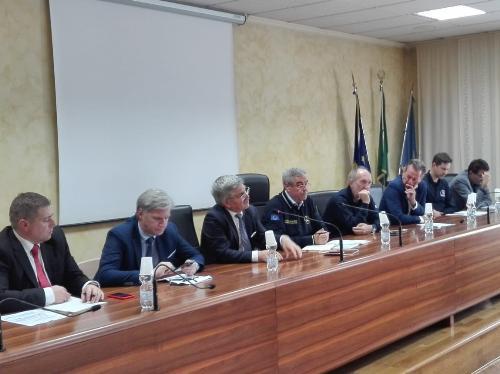 Al centro il Capo Dipartimento della Protezione Civile, Angelo Borrelli, con alla sua sinistra il vicegovernatore Riccardi e l'assessore Scoccimarro