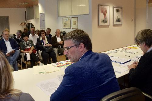 L'assessore regionale alle Autonomie locali, Pierpaolo Roberti, ha incontrato, nella sede della Regione a Udine, i delegati delle amministrazioni cittadine del territorio dell'ex provincia di Udine, per illustrare le iniziative della Regione rivolte ai comuni dove sono presenti minoranze linguistiche