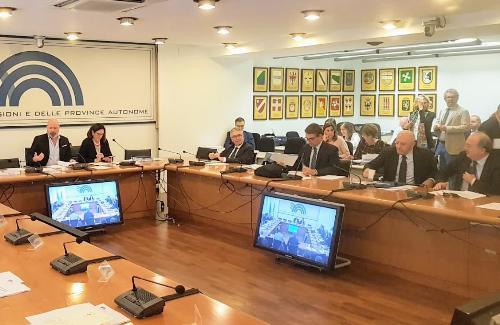 L'assessore regionale alla Sicurezza e immigrazione, Pierpaolo Roberti, durante la seduta della Conferenza delle Regioni e delle Province autonome.
