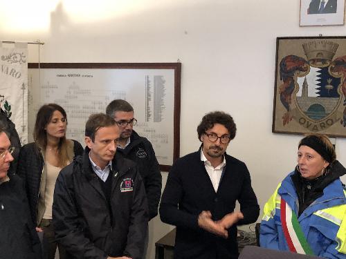 Il Ministro alle Infrastrutture Danilo Toninelli insieme al governatore del Friuli Venezia Giulia Massimiliano Fedriga e agli assessori regionali Graziano Pizzimenti (Infrastrutture) e Pierpaolo Roberti (Autonomie locali) con la sindaca di Ovaro Mara Beorchia.
