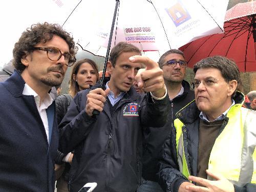 Il Ministro alle Infrastrutture Danilo Toninelli insieme al governatore del Friuli Venezia Giulia Massimiliano Fedriga e all'assessore regionale Pierpaolo Roberti (Autonomie locali)