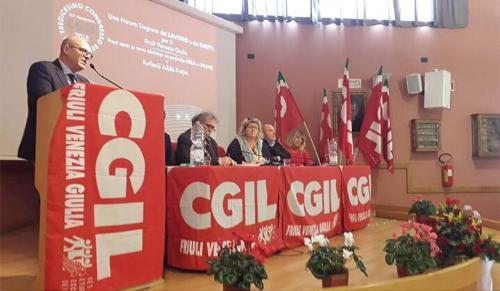 L'assessore alla Funzione pubblica del Friuli Venezia Giulia, Sebastiano Callari, interviene al congresso regionale della Cgil al centro Balducci di Zugliano - Pozzuolo del Friuli, 8 novembre 2018