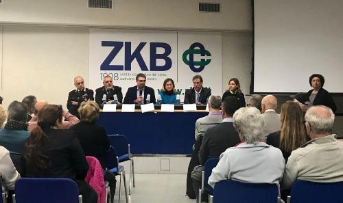 L'incontro sulla sicurezza tenutosi a Opicina al quale hanno partecipato l'assessore regionale alla Sicurezza, Pierpaolo Roberti, e il questore di Trieste, Isabella Fusiello.