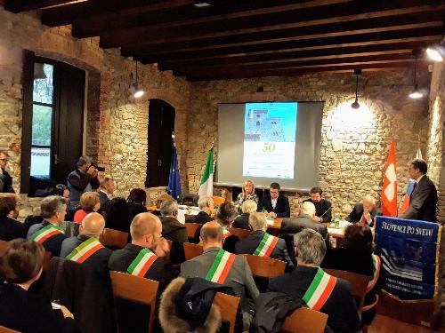 La cerimonia commemorativa per il cinquantesimo anniversario di Fondazione dell'Unione emigranti sloveni del Friuli Venezia Giulia (Slovenci po svetu) a Cividale.