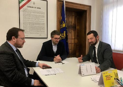 L'assessore alle Autonomie locali della Regione Fvg Pierpaolo Roberti con i vertici dell'Agenzia regionale per la lingua friulana (Arlef), rappresentati dal presidente Eros Cisilino e dal direttore William Cisilino.