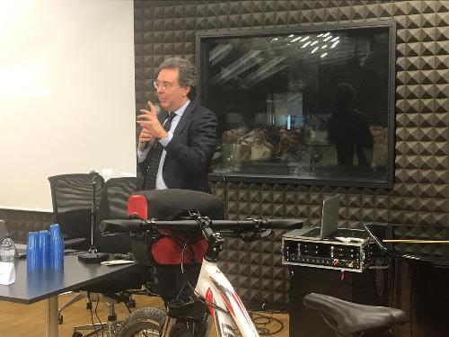 L'assessore regionale a Infrastrutture e territorio, Graziano Pizzimenti, durante il convegno sul cicloturismo promosso dall'Uti Agro-Aquileiese - Cervignano del Friuli (Udine), 18 febbraio 2019.