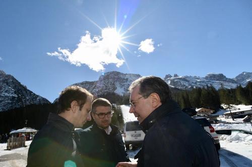 Il governatore Fedriga assieme agli assessori Roberti e Pizzimenti oggi a Sappada