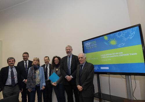 L'assessore Roberti assieme alle altre autorità che hanno partecipato alla presentazione della piattaforma web di Esof2020