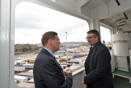 L'assessore regionale Pierpaolo Roberti, all'inaugurazione della Ro/Ro Ephesus Seaways presso il terminal Samer & Co. Shipping di riva Traiana a Trieste.