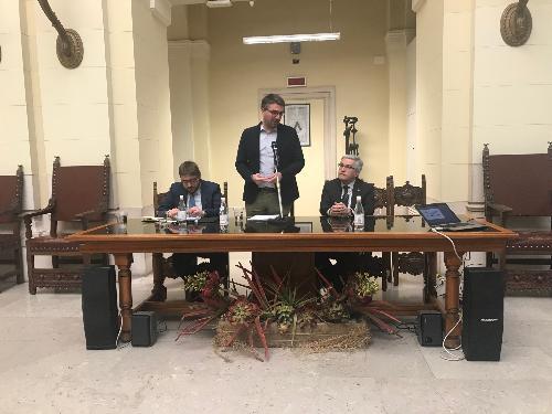 L'assessore regionale alle Autonomie locali, Pierpaolo Roberti, con Simone D'Antonio dell'Associazione nazionale dei Comuni italiani (Anci) e con sindaco del Comune di Udine, Pietro Fontanini - Udine, 25 mrazo 2019.