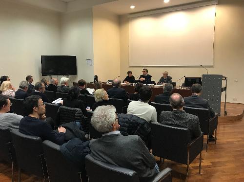 L'incontro sul tema dei finanziamenti agli enti locali, al quale hanno partecipato l'assessore alle Autonomie locali, Pierpaolo Roberti, e i rappresentanti dei Comuni dell'area giuliana.