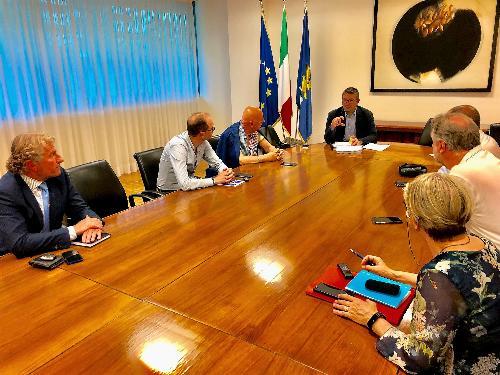 L'assessore Roberti incontra amministratori del Gemonese nel palazzo della Regione a Udine