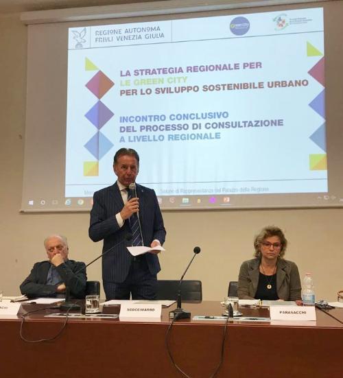 Fabio Scoccimarro assessore regionale all'Ambiente, all'incontro conclusivo del processo di consultazione locale sulle Green City a Trieste