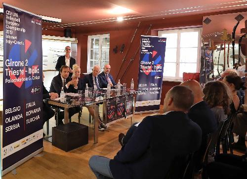 Il governatore Massimiliano Fedriga alla conferenza stampa di presentazione del Campionato europeo under 16 femminile di pallavolo in programma tra il 13 e il 21 luglio prossimi a Trieste e Zagabria.