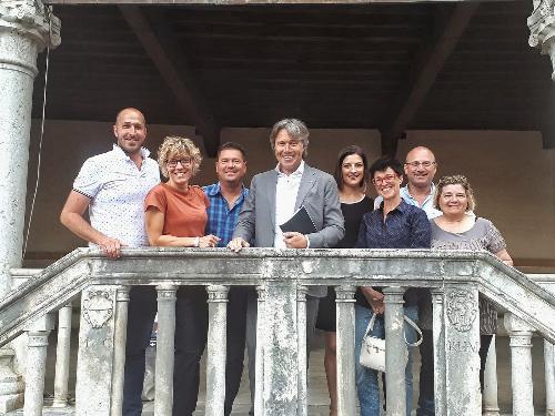 Gli assessori alle Attività produttive e al Bilancio Sergio Emidio Bini e Barbara Zilli incontrano il sindaco di Gemona Roberto Revelant e la Giunta comunale
