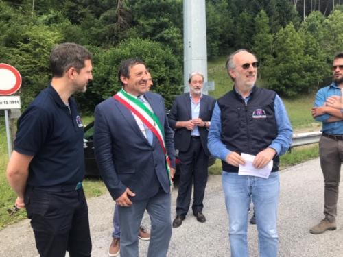 Il vicegovernatore del Friuli Venezia Giulia con delega alla Protezione Civile, Riccardo Riccardi,  assieme al direttore della Protezione Civile regionale, Amedeo Aristei e al sindaco di Ovaro,  Mario Cattarinussi, all'apertura del cantiere per il rifacimento del ponte San Martino - Ovaro (Ud), 16 luglio 2019.