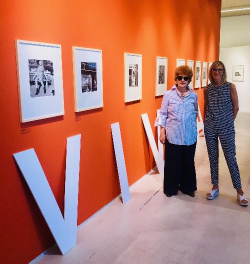 L'assessore regionale alla Cultura e sport, Tiziana Gibelli, e il direttore dell'Erpac, Anna Del Bianco alla mostra 'The Self-Portrait and its Double'.