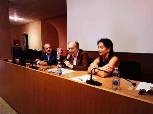 Il vicegovernatore del Friuli Venezia Giulia con delega alla Salute, Riccardo Riccardi, durante l'odierna conferenza stampa tenutasi nel presidio ospedaliero di Monfalcone, con il commissario Straordinario dell'AsuiTs e Aas2 Bassa Friulana-Isontina, Antonio Poggiana, e il sindaco di Monfalcone Anna Maria Cisint.
