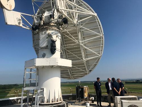 L'ispezione alla parabola del radar di Fossalon, alla presenza del vicegovernatore della Regione Riccardo Riccardi