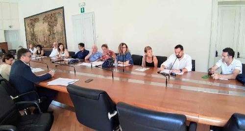 L'assessore Roberti e la delegazione sindacale a confronto