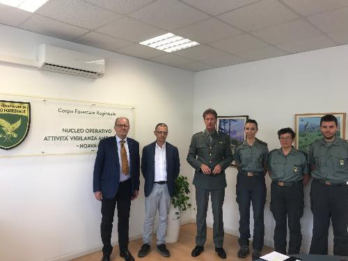L'assessore alle Risorse agroalimentari e forestali, Stefano Zannier, assieme al Nucleo operativo per l'attività di vigilanza ambientale (Noava) del Corpo Forestale Regionale - Udine, 17 settembre 2019
