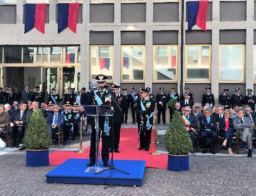 Il generale Antonio Frassinetto, nuovo comandante della Legione Carabinieri del Friuli Venezia Giulia durante la cerimonia di avvicendamento a cui ha preso parte l'assessore regionale alle Finanze, Barbara Zilli, assieme all'assessore alle Attività produttive, Sergio Emidio Bini, e al presidente del Consiglio regionale, Piero Mauro Zanin - Udine, 19 settembre.
