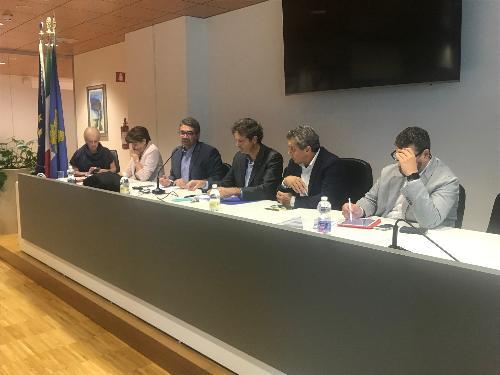 L'assessore alle Autonomie locali e funzione pubblica Pierpaolo Roberti illustra il disegno di legge di riforma degli Enti locali al direttivo Anci presieduto dal neo presidente Dorino Favot a Udine.