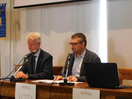 L'assessôr regjonâl Pierpaolo Roberti e il presidente de Socie Federico Vicario a palaç Mantica a Udin