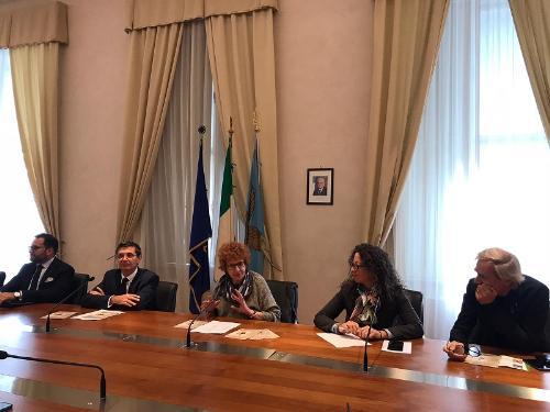 Un momento della conferenza stampa di presentazione dell'opera Le nozze di Leonardo