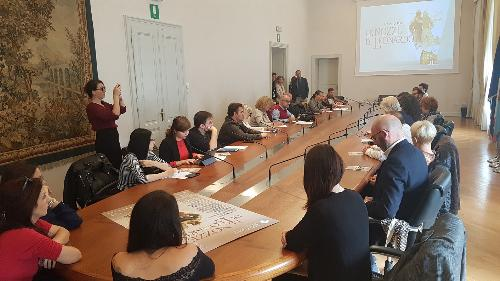 Il tavolo della conferenza stampa di presentazione dell'opera Le nozze di Leonardo