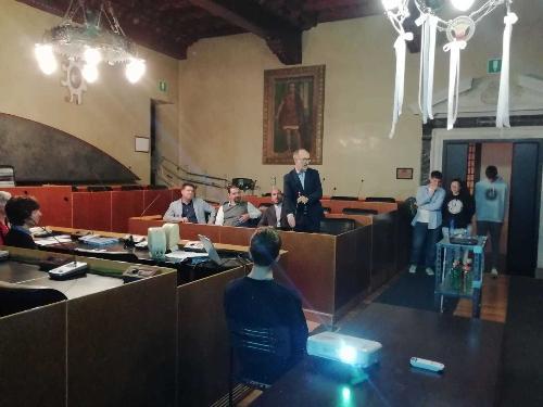 Il vicegovernatore del Friuli Venezia Giulia con delega alla Protezione civile, Riccardo Riccardi, al convegno 'Territorio e sismicità: studenti al lavoro per mitigare il rischio sismico', organizzato a Gemona del Friuli dall'amministrazione comunale in collaborazione con l'Isis Magrini Marchetti