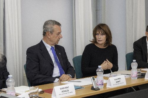 L'assessore regionale Alessia Rosolen assieme al direttore scientifico del Mib Vladimir Nanut