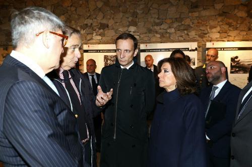 Il presidente del Senato della Repubblica, Maria Elisabetta Alberti Casellati, e il governatore del Friuli Venezia Giulia, Massimiliano Fedriga, durante la visita alla Foiba di Basovizza.