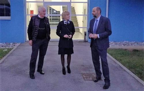 L'assessore regionale Barbara Zilli insieme all'amministratore unico di Friuli Innovazione Enzo Cainero e il direttore Fabio Feruglio durante la visita al centro udinese