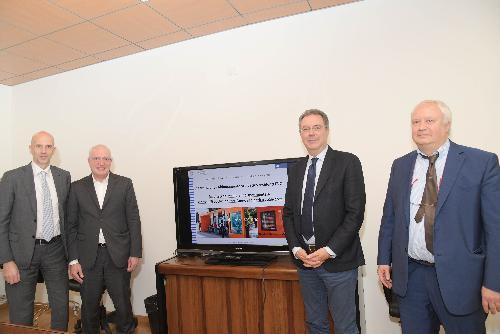 L'assessore regionale al Territorio Graziano Pizzimenti (secondo da destra)