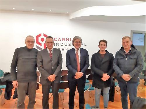 L'assessore regionale alle Attività produttive, Sergio Emidio Bini,  in visita al consorzio Carnia industrial park.