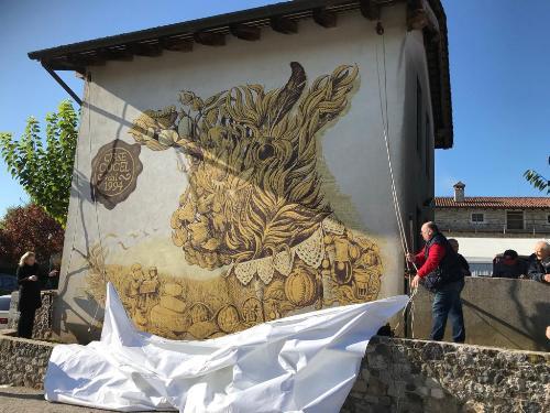 Il murales svelato in occasione del 25mo di Cjase Cocèl.