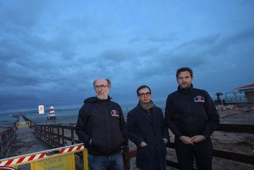 Il sopralluogo a Lignano del vicegovernatore Riccardo Riccardi con il sindaco Luca Fanotto e il direttore regionale di Pc Amedeo Aristei