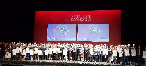Tutti i premiati nel corso della cerimonia per la Premiazione dell'economia e dello sviluppo del territorio promossa dalla Camera di commercio di Pordenone-Udine. Udine, 14 novembre 2019.