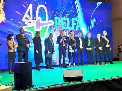 L'assessore Bini alla cerimonia svoltasi a Buja in occasione delle celebrazioni per festeggiare i 40 anni dell'attività di Pelfa Group