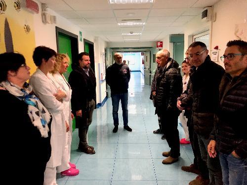 Il vicegovernatore Riccardo Riccardi in visita al nosocomio di Tolmezzo