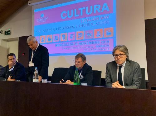 L'assessore regionale Sergio Emidio Bini al convegno di Confcommercio Fvg