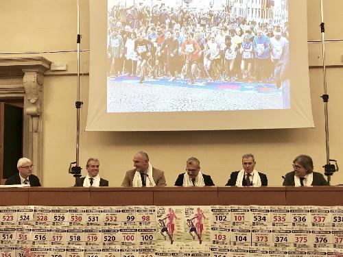 L'assessore regionale al Turismo Sergio Emidio Bini alla presentazione della staffetta Telethon 24X1 ora a Udine.