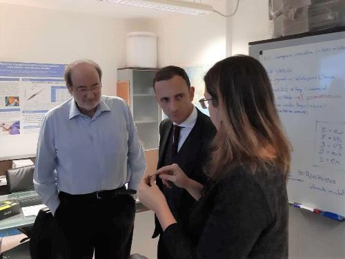 Il governatore Massimiliano Fedriga nel corso della visita ai laboratori della Fondazione italiana fegato