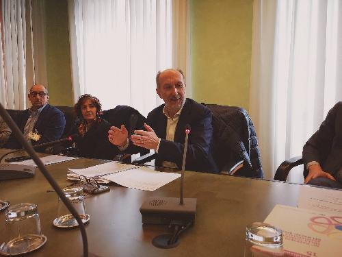 Il vicegovernatore del Friuli Venezia Giulia con delega alla Salute Riccardo Riccardi durante la presentazione a Trieste della Rete oncologica regionale.