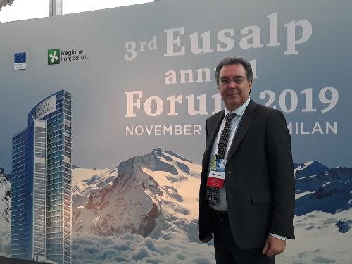 L'assessore a Infrastrutture e Territorio del Friuli Venezia Giulia, Graziano Pizzimenti alla riunione dell'assemblea generale della strategia macroregionale Eusalp, a Milano